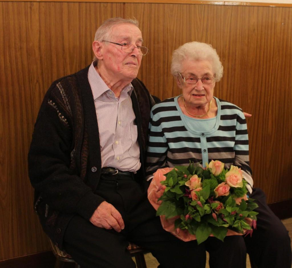 Lieselotte und Edmund Böhn beim Empfang anlässlich ihrer Eisernen Hochzeit.